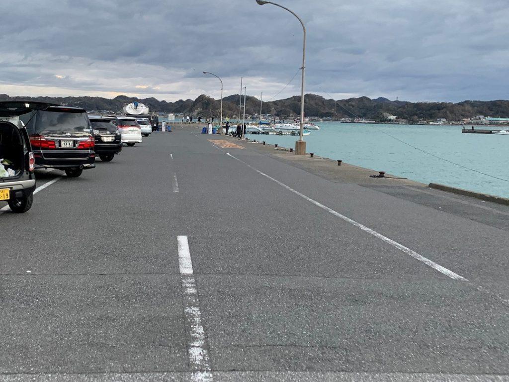 冨浦新港の駐車場